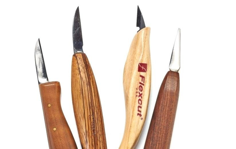 top-rated-wood-carving-tools-examples-of-general-carving-knives-left-and-detail-knives-right
